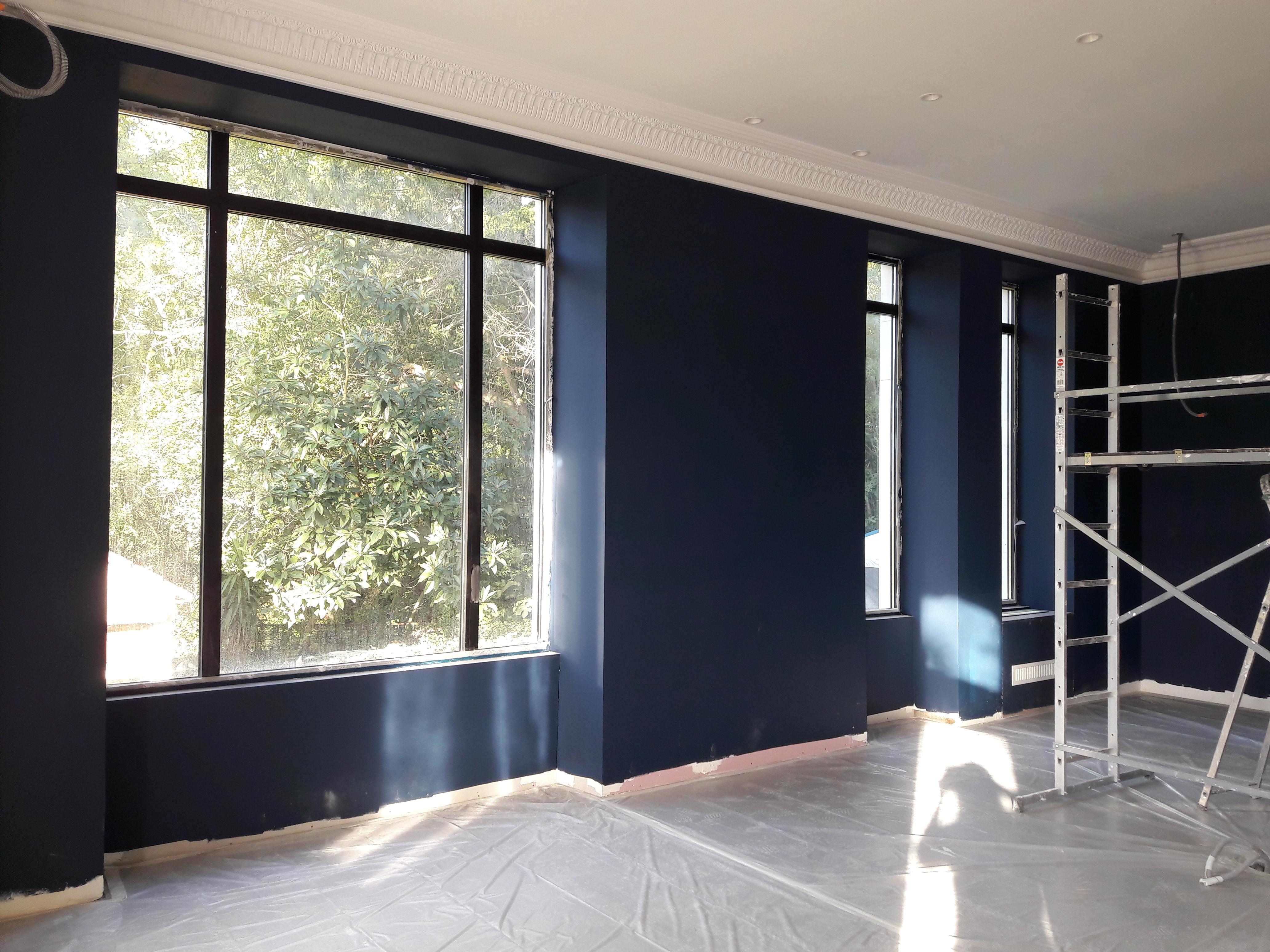 Couleur, Bleu, Baies atelier, Vitrages, Salon, Moulures, Eclairage, rénovation Grans, par Viviane Bedos, Décoratrice UFDI à Rognac (13)